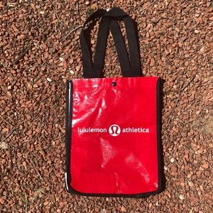 Lululemon reusable snap tote bag.